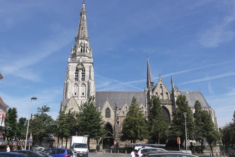 Collegiale Sint-Pieter-en-Sint-Guido