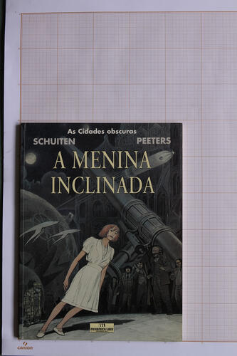 A Menina inclinada, F.Schuiten & B.Peeters - Meribérica / Liber Editores© Maison Autrique, 1999