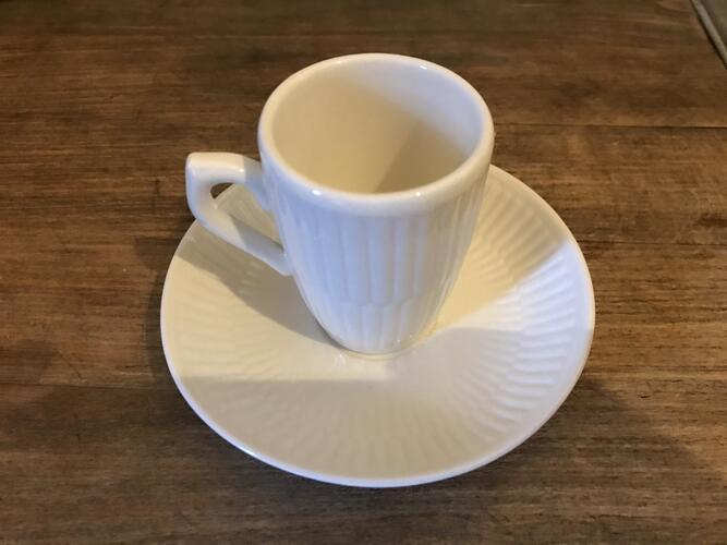 Tasse espresso (avec la sous-tasse)© Maison Autrique, 2021