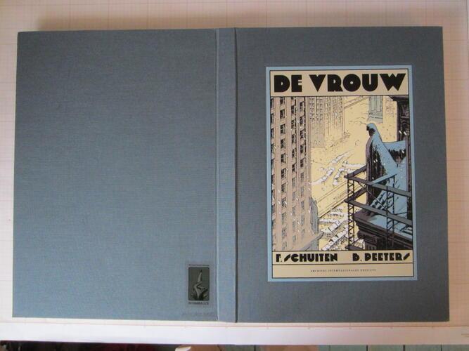 DE VROUW© Archives Internationales, 1994