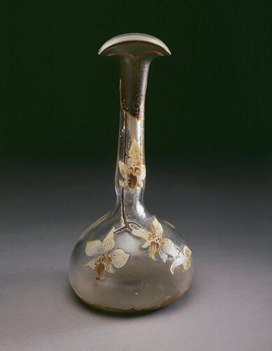 Vase© B. Piazza. Région Bruxelles-Capitale, dation d'Anne-Marie et Roland Gillion Crowet, 2006. En dépôt aux MRBAB, 2010