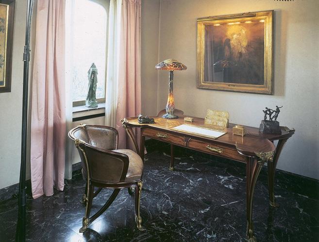 Nécessaire de bureau© B. Piazza. Région Bruxelles-Capitale, dation d'Anne-Marie et Roland Gillion Crowet, 2006. En dépôt aux MRBAB, 2010